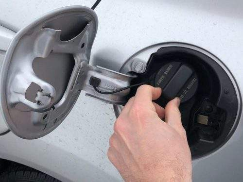 проверка крышки бензобака