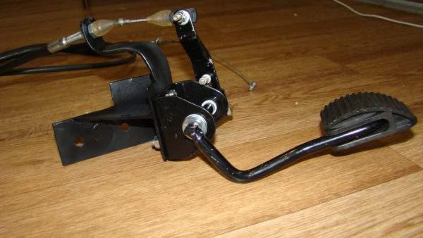 Педаль газа с тросиком